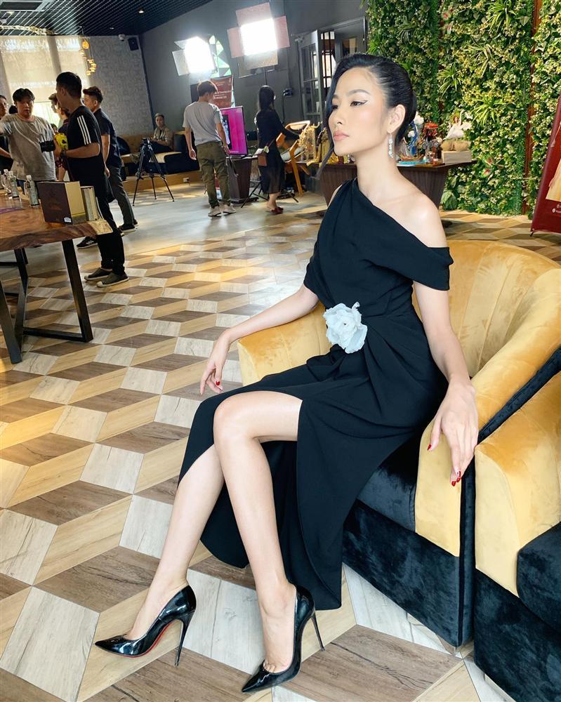 Bản tin Hoa hậu Hoàn vũ 24/7: Hoàng Thùy make-up cũng như không, nhan sắc mờ nhạt lép vế trước dàn đối thủ-1