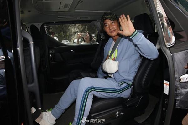Nhậm Đạt Hoa xuất viện sau vụ bị tấn công giữa sự kiện-2