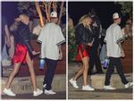 Lên đồ đi chơi, vợ Justin Bieber mặc váy xẻ lộ vòng ba, chiếm spotlight khiến chồng lu mờ