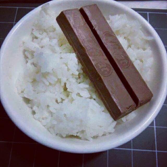 Có một thời tuổi thơ ăn cơm với đường, tóp mỡ và cả hoa quả, có ai đã từng?-1