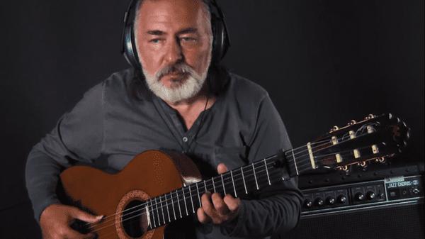 Nghệ sĩ người Nga hóa phép ca khúc Hãy trao cho anh của Sơn Tùng thành phiên bản guitar cực chất!-2