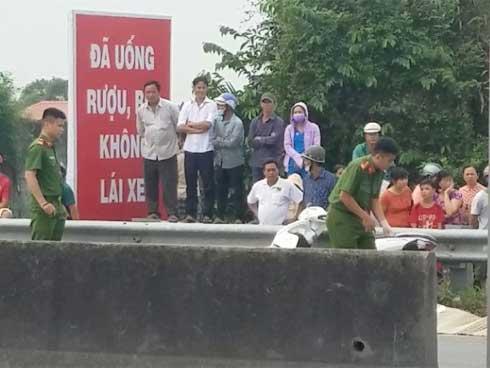 Nam thanh niên chặn xe, đâm chết bạn gái trên đường phố Sài Gòn-1