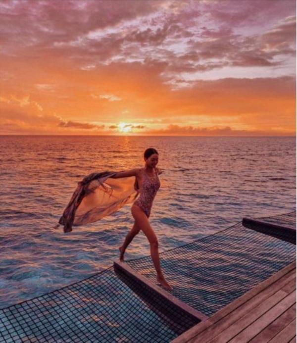 Hội con nhà giàu phô trương kỳ nghỉ xa xỉ: Đi chuyên cơ tới khu nghỉ dưỡng, tắm nắng trên du thuyền và hơn thế nữa-9