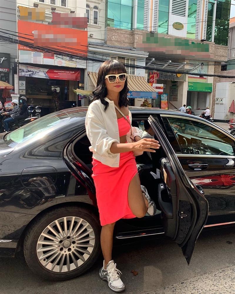 Bản tin Hoa hậu Hoàn vũ 25/7: HHen Niê âm điểm với tóc nối già chát, nhìn tưởng bà thím chứ không phải mỹ nhân-1