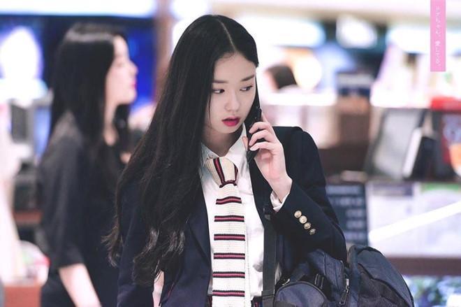 Thí sinh Produce 48 gây chú ý vì quá xinh đẹp trong loạt ảnh chụp lén-1