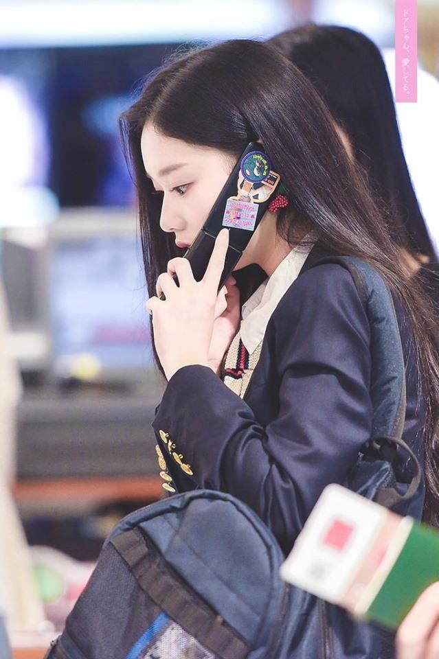 Thí sinh Produce 48 gây chú ý vì quá xinh đẹp trong loạt ảnh chụp lén-3