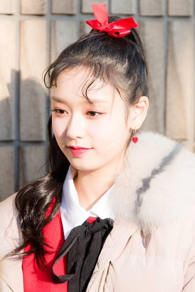 Thí sinh Produce 48 gây chú ý vì quá xinh đẹp trong loạt ảnh chụp lén-5