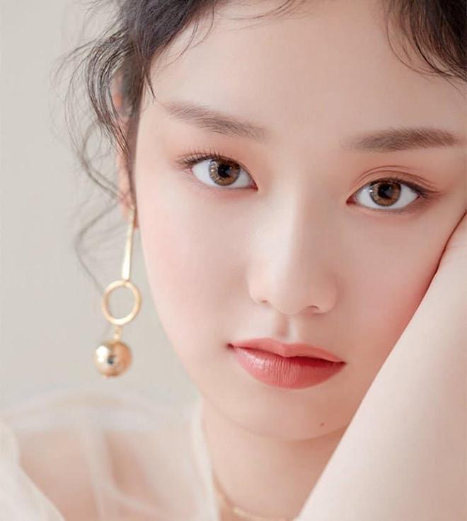 Thí sinh Produce 48 gây chú ý vì quá xinh đẹp trong loạt ảnh chụp lén-7