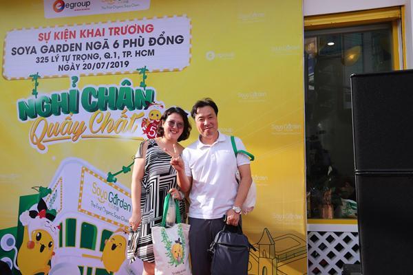 Giới trẻ Sài thành nô nức 'check-in' Ngã 6 Phù Đổng-3