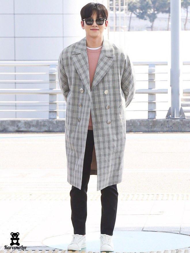Ji Chang Wook diện cả cây đen, đi giày hiếm khi đến Hà Nội-5
