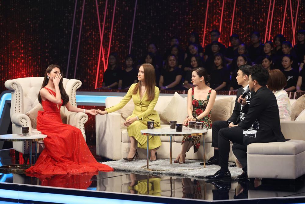 Hoa hậu Tường Linh bật khóc, thừa nhận mình từng trở thành Tuesday trên sóng truyền hình-2