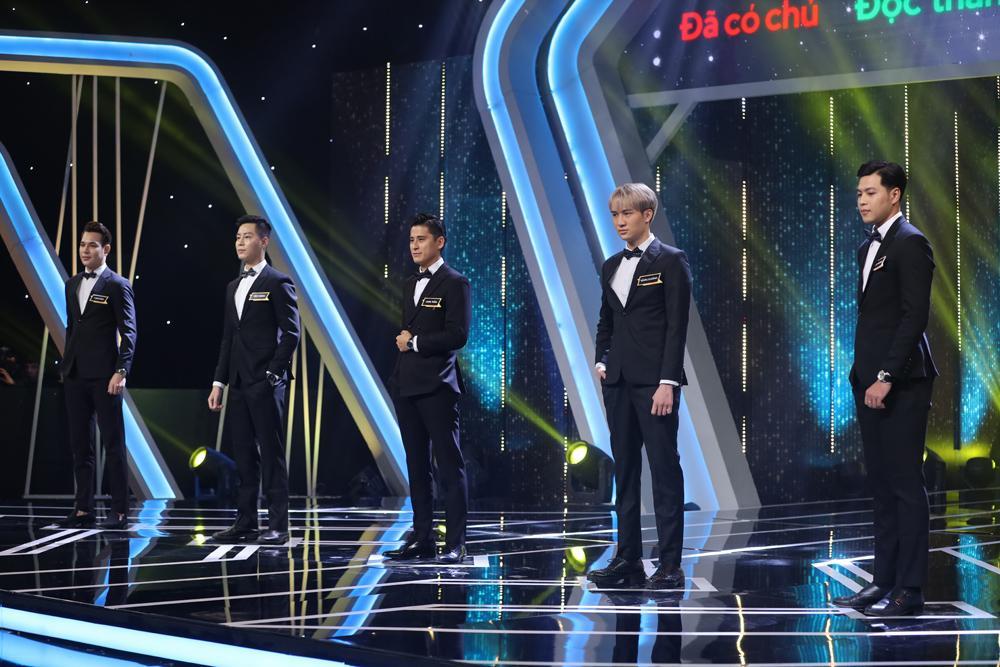 Hoa hậu Tường Linh bật khóc, thừa nhận mình từng trở thành Tuesday trên sóng truyền hình-3