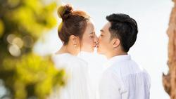 Đàm Thu Trang - chân dài showbiz khiến Cường Đô La mê đắm