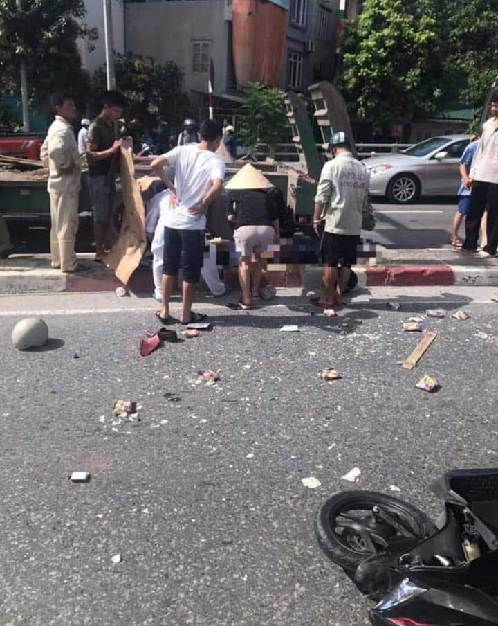 Lại thêm 1 tai nạn nghiêm trọng: Xe khách nổ lốp băng qua đường đâm hàng loạt xe máy rồi lao vào nhà dân ở Quảng Ninh-6