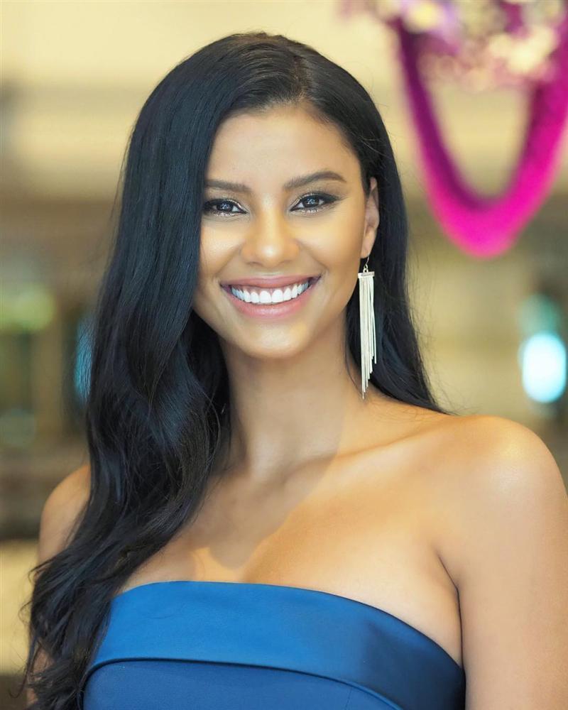 Dàn phù dâu của Hoa hậu Hoàn vũ Thái Lan: HHen Niê xinh đẹp với tóc dài nhưng lại lộ điểm bất thường-14