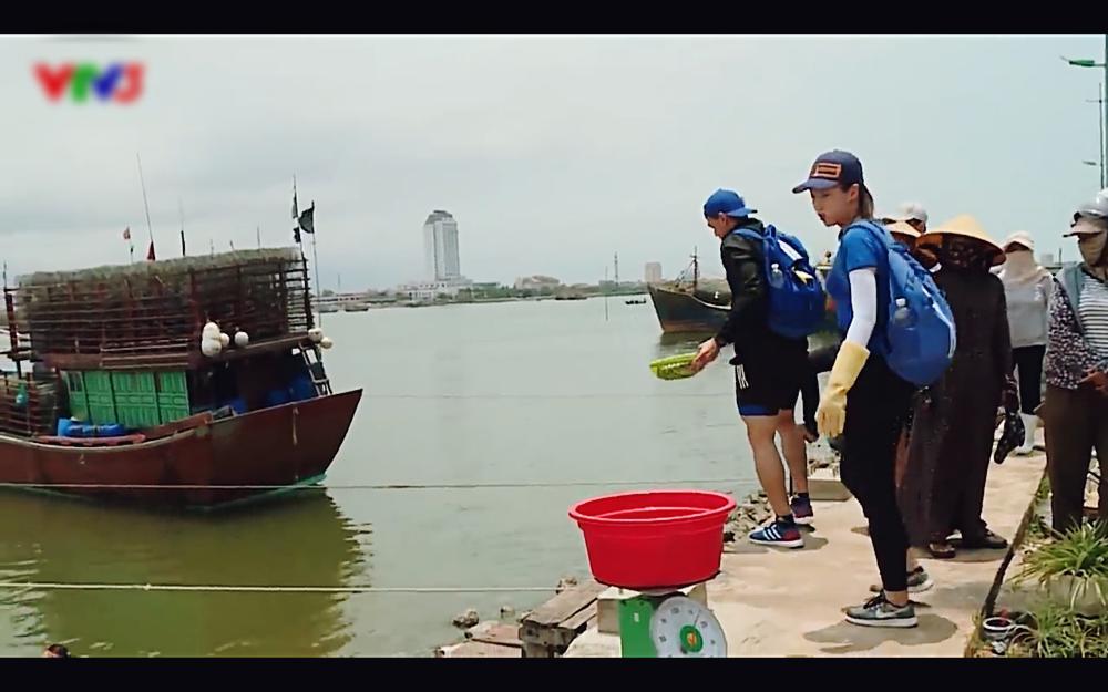 Ghê tay khi chặt cá, hoa hậu Đỗ Mỹ Linh bị ném đá vì tính cách quá tiểu thư tại Cuộc đua kỳ thú-2