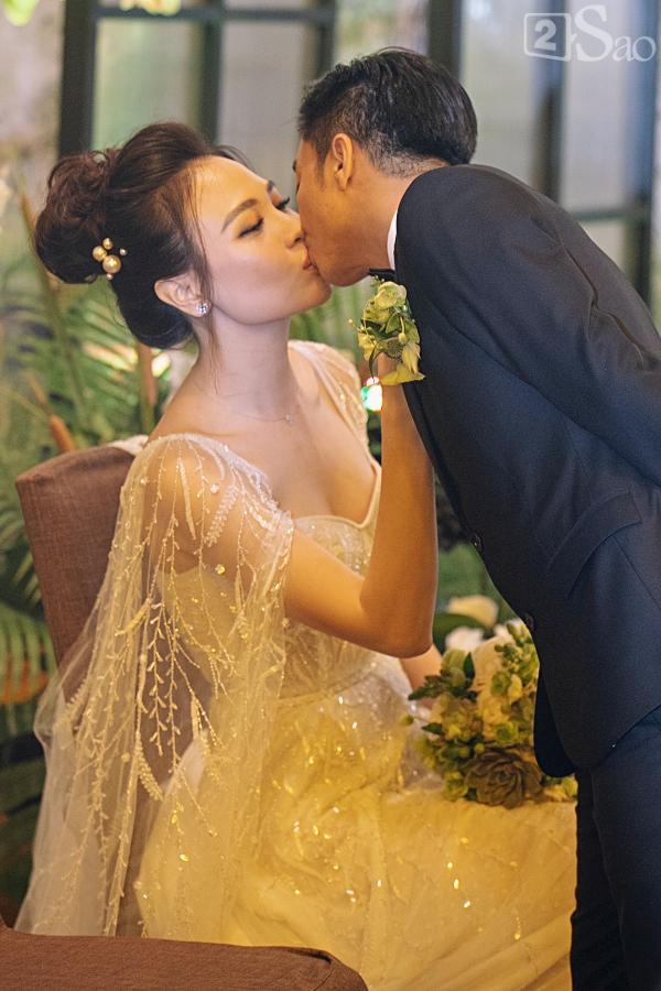 Cận cảnh 3 chiếc váy cưới chính thức trong hôn lễ với Cường Đô la giúp Đàm Thu Trang tỏa sáng như nàng công chúa bước ra từ chuyện cổ tích-9