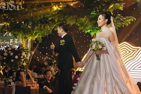Cận cảnh 3 chiếc váy cưới chính thức trong hôn lễ với Cường Đô la giúp Đàm Thu Trang tỏa sáng như nàng công chúa bước ra từ chuyện cổ tích-7