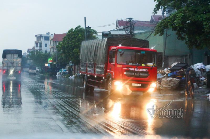 Xe tải lật chết 5 người ở Hải Dương, Trung tá CSGT nói lý do tài xế giật mình-13