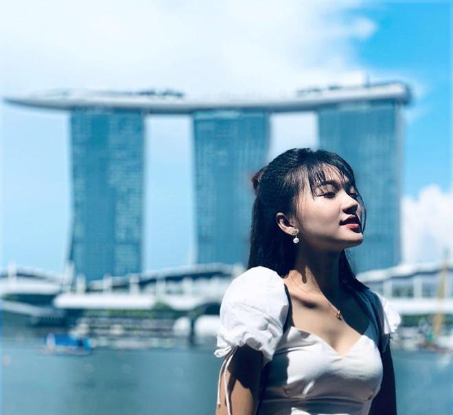 Bạn gái Quang Hải, Duy Mạnh khoe ảnh du lịch: Bánh bèo, sexy đủ cả-3