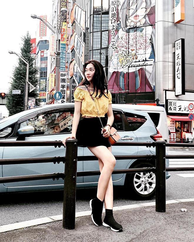 Bạn gái Quang Hải, Duy Mạnh khoe ảnh du lịch: Bánh bèo, sexy đủ cả-4