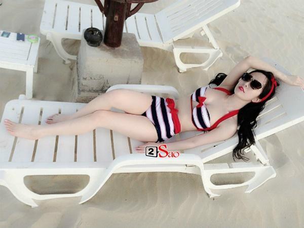 Sao Việt thả dáng trên giường với bikini: Hồ Ngọc Hà cùng Ngọc Trinh đỉnh cao, Minh Hằng và Diva Hồng Nhung mất điểm-2