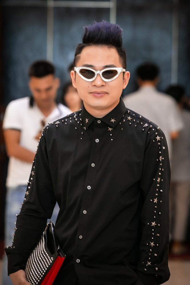 Chào đón nhóm nhạc mới gia nhập showbiz, đàn anh Tùng Dương ân cần dặn dò: Hãy biết lắng nghe nhau-2