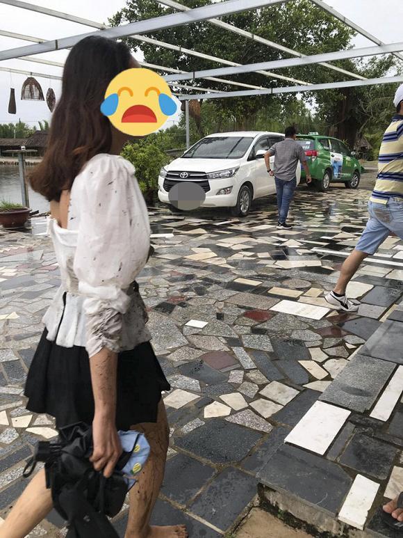 Dậy sóng MXH câu chuyện cô gái Sài Gòn mặc gợi cảm bị 3 người đàn ông quấy rối, đẩy xuống hồ vì không cho chụp ảnh cùng-1