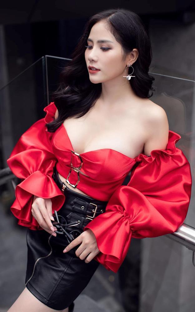 Người đẹp Việt gây tranh cãi khi lộ hàng ở Cuộc đua kỳ thú-2