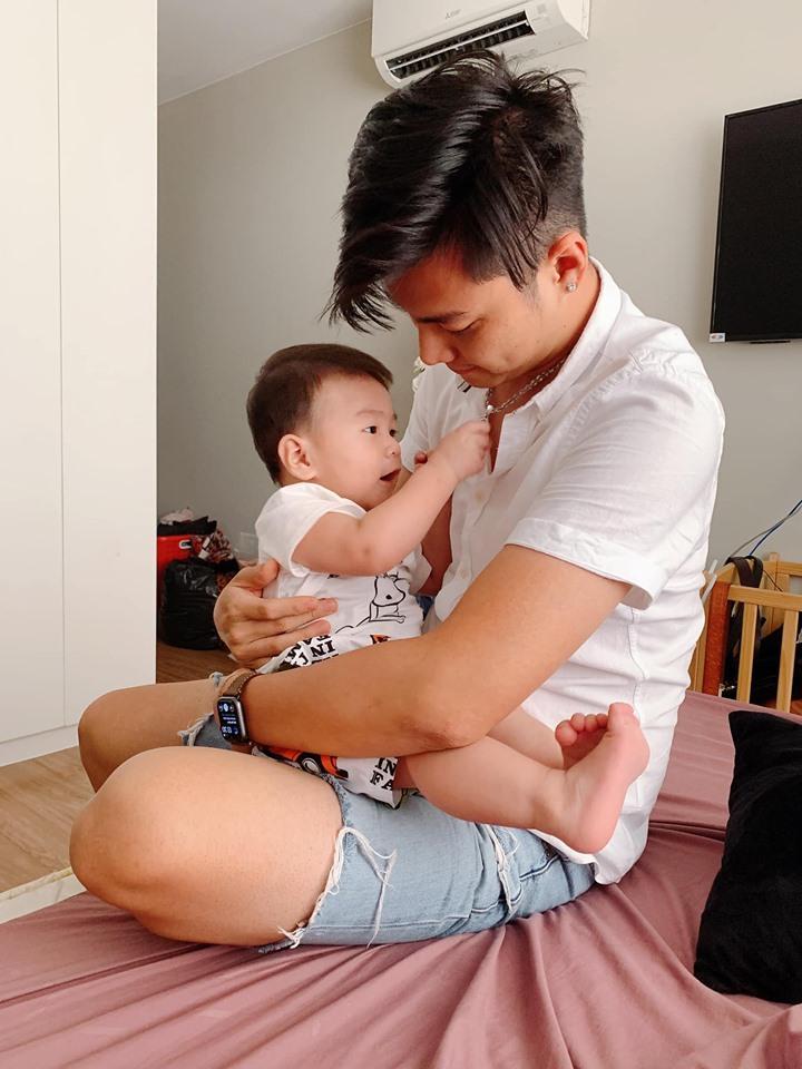 Lạ thay, con trai Lâm Khánh Chi càng lớn càng giống bố dù không cùng máu mủ-3