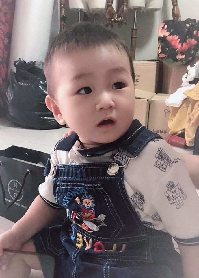 Lạ thay, con trai Lâm Khánh Chi càng lớn càng giống bố dù không cùng máu mủ-8