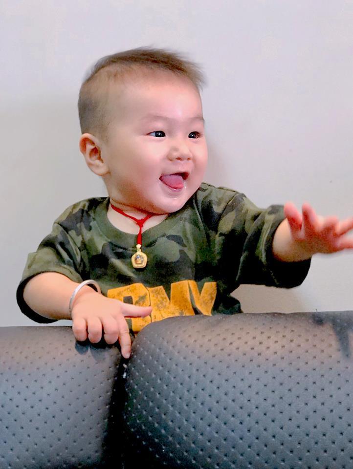 Lạ thay, con trai Lâm Khánh Chi càng lớn càng giống bố dù không cùng máu mủ-12