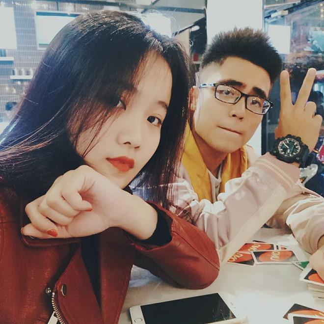 Thêm hội bạn cực phẩm gồm em trai Sơn Tùng và hai bạn gái cầu thủ-2