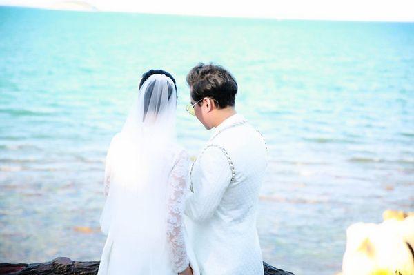 Ngọc Sơn tung ảnh cưới úp mở chuyện lấy vợ và chính thức đòi quà 'đại gia đình'-1