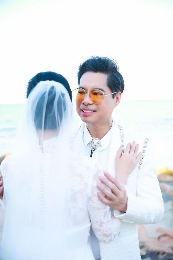 Ngọc Sơn tung ảnh cưới úp mở chuyện lấy vợ và chính thức đòi quà 'đại gia đình'-3