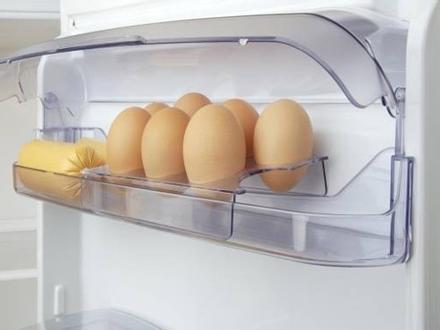 Trước giờ vẫn để trứng ở cửa tủ lạnh tưởng là đúng nhưng thật ra bạn đã làm sai hoàn toàn vì lý do này