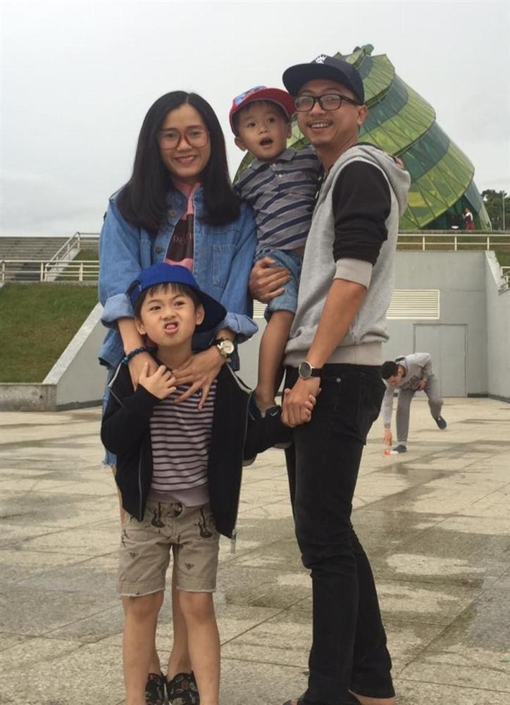 Cuộc sống của gia đình Lâm Vỹ Dạ - Hứa Minh Đạt sau 9 năm kết hôn-7