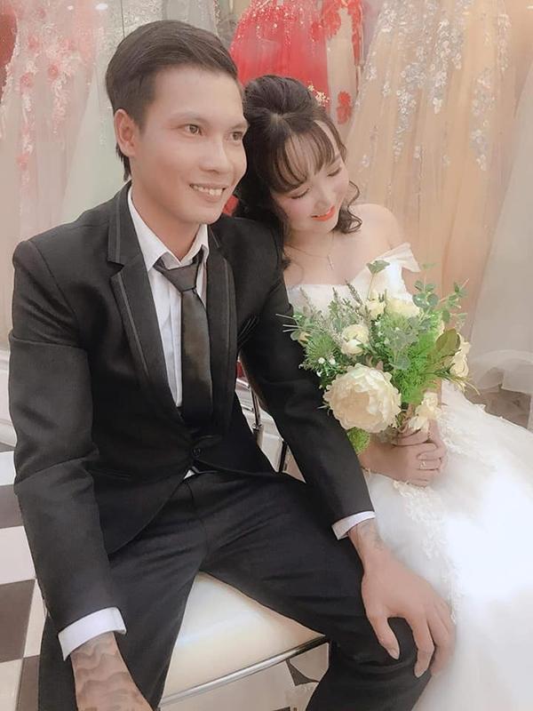 Thánh comment dạo Lộc Idol khoe ảnh chụp bên cô dâu xinh đẹp khiến dân mạng ngã ngửa-1