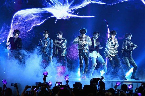 Bội thu với Love Yourself: Speak Yourself, BTS chính thức đạt #1 Billboard's Hot Tours toàn cầu-2