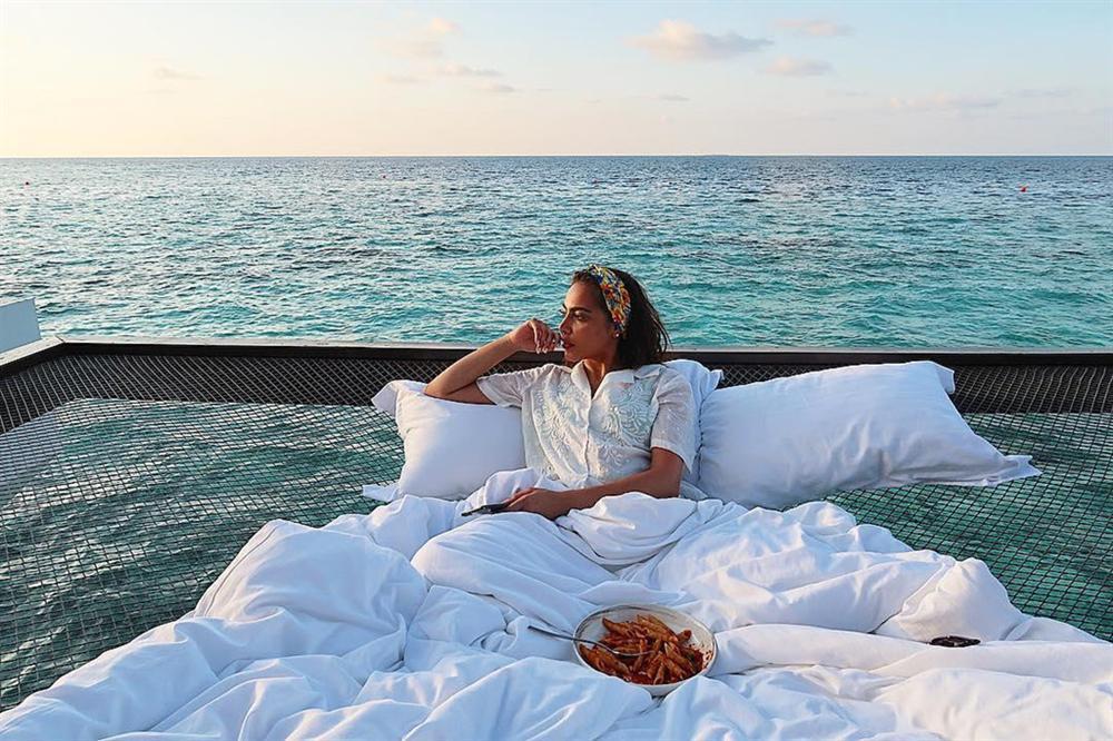 Chi 400 USD/đêm ngủ giữa đại dương, ngắm bình minh ở Maldives-6