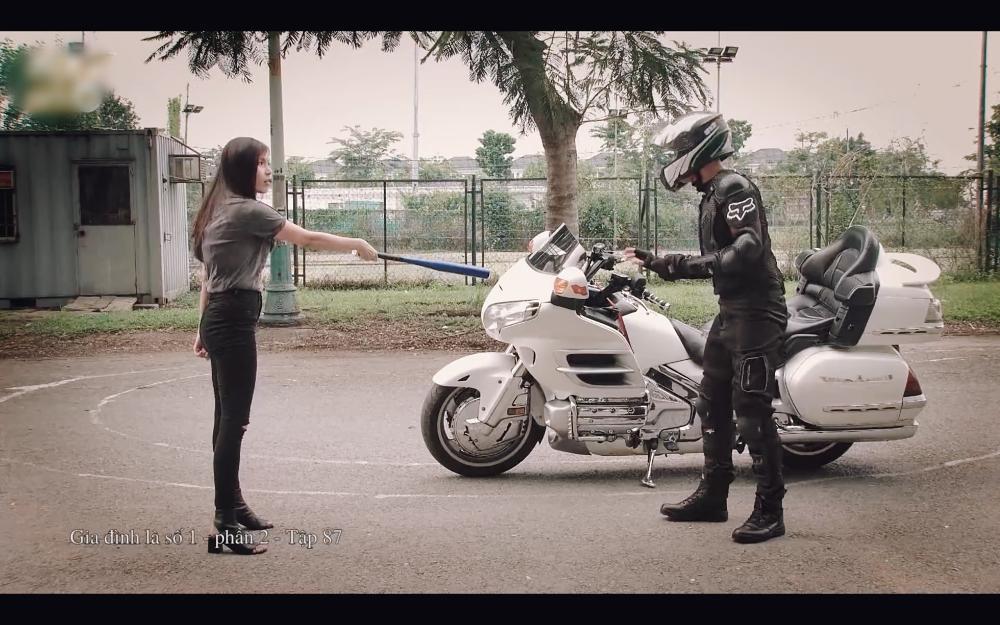 Sợ Lương Thế Thành lấy moto chở gái, Thúy Diễm bắt lựa chọn giữa em và xe anh chọn ai-4