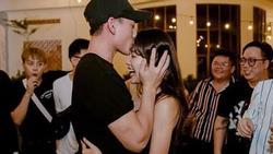 Isaac hôn trán Khả Ngân trong tiệc sinh nhật làm dấy lên nghi án yêu đương