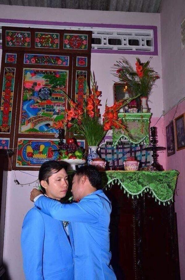Đám cưới của cặp đồng tính nam khiến dân tình ngưỡng mộ, đồng loạt gửi lời chúc phúc đầu bạc răng long-1