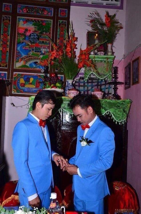 Đám cưới của cặp đồng tính nam khiến dân tình ngưỡng mộ, đồng loạt gửi lời chúc phúc đầu bạc răng long-2