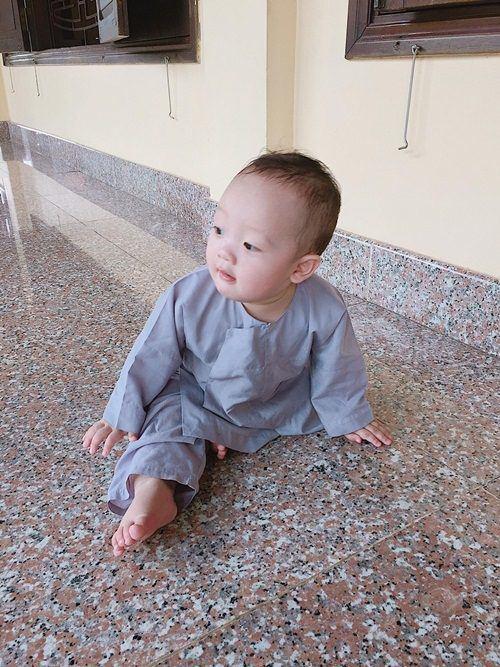 Đưa con trai lên chùa cầu bình an, single mom Ly Kute khiến ai nấy bất ngờ vì ngoại hình phổng phao, cao lớn của cậu bé-7