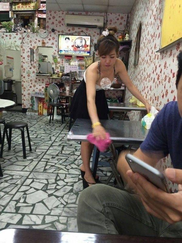 Quán ăn Việt tại Trung Quốc đắt khách nhờ cô bán hàng siêu bốc lửa-2