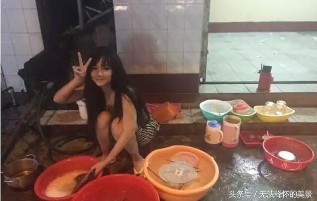 Quán ăn Việt tại Trung Quốc đắt khách nhờ cô bán hàng siêu bốc lửa-3