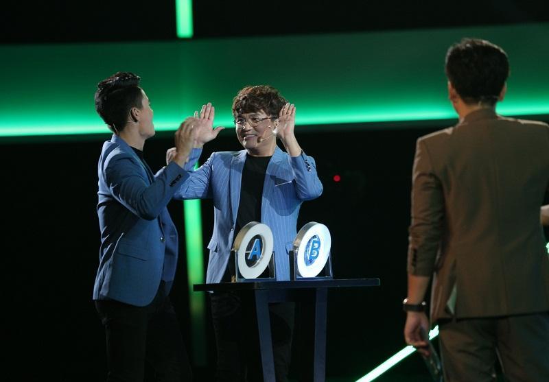 Đại Nghĩa ôm chặt Trường Giang, rơi nước mắt khi đoạt được giải thưởng cao kỷ lục gần 1 tỷ đồng-1