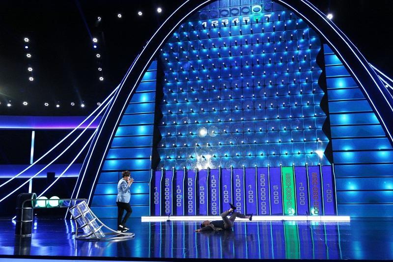 Đại Nghĩa ôm chặt Trường Giang, rơi nước mắt khi đoạt được giải thưởng cao kỷ lục gần 1 tỷ đồng-4