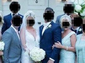 'Đánh đố' quan khách vì diện váy và làm tóc giống hệt con dâu trong đám cưới, mẹ chồng bị dân mạng 'ném đá' tơi tả